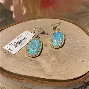 Authentic Kendra Scott earrings Dani New! Kyocera